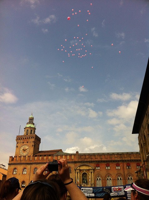 Balloons at the start of the Running Festival, Piazza Maggiore